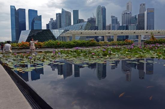 Singapore | Lee seeks smart city revamp as old model ebbs | MACAU