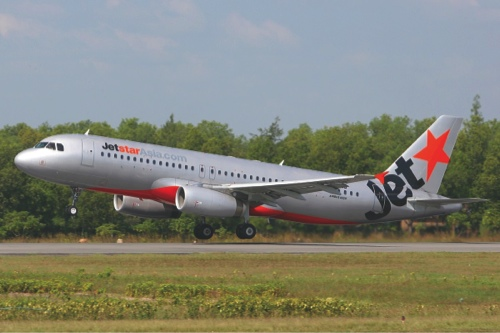 Jetstar_Asia_Airways_Airbus_A320_MRD-1