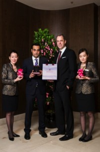 Mr Ajay Hingorani, boutique manager, Butani (L) and Mr Bede Barry (R), GM, Conrad Macao draw the two lucky winners of the Butani Jewellery_lowres