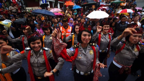 surabaya-may-19-2013-xinhua-indonesian-women-69041