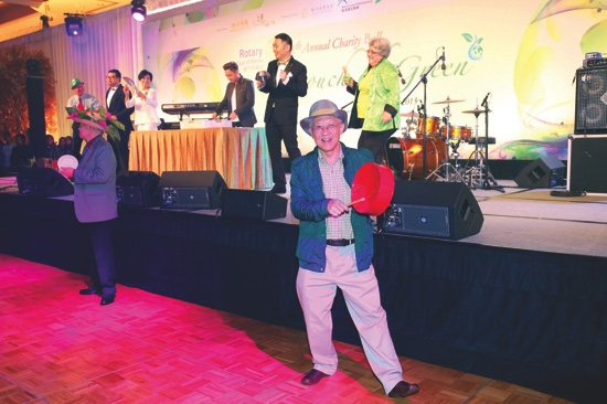 Exciting Green Percussions opening act by Rotarians