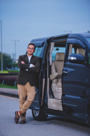 Terence Suifay, Cantopop star, experiences Uber's first taxi ride in Macau