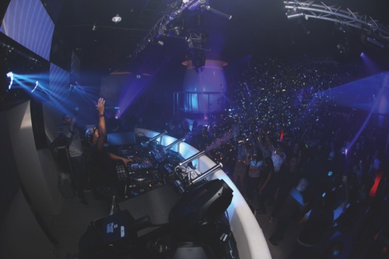 DJ Erick Morillo commands the dance floor