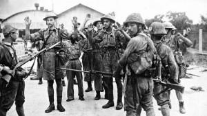 1942_Brits-surrender-at-Singapore-2