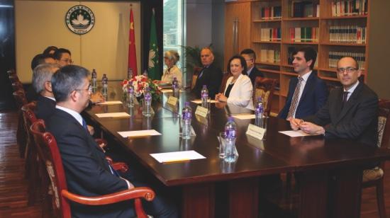 1-Meeting1