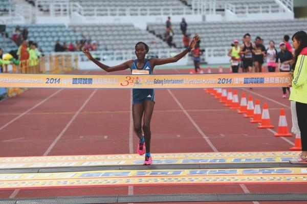 Chepchirchir crosses the finishing line in Macau