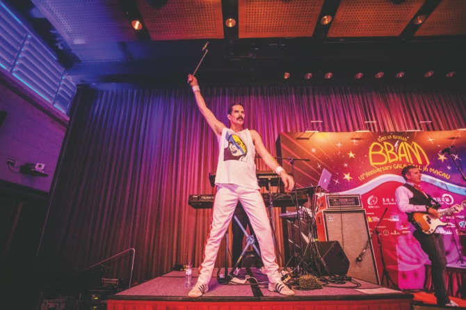 """Front man John Blunt of """"The Killer Queen Experience"""" performs as a tribute to Freddie Mercury"""