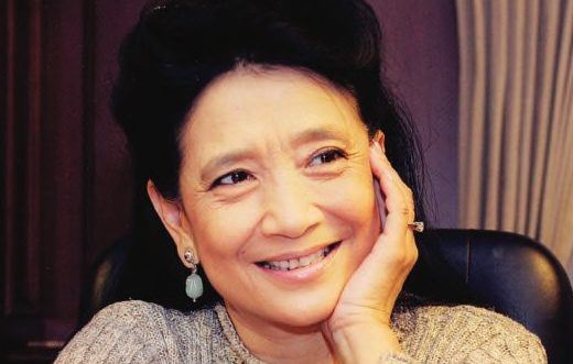 an analysis of jung changs book entitled wild swans Jung chang is a chinese-born british writer that is known for her award-winning book, wild swans after having several jobs at a young age, jung chang became an english-language student, and an assistant lecturer at sichuan university in 1978, chang left china for britain, where the university of.